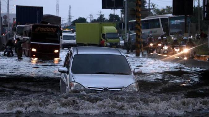 Ini jalur alternatif pemudik jika jalan kaligawe terendam air pasang 20160628 205744